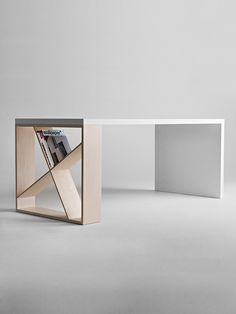 J-Table Desk, Contemporary Home Office Design at Cassoni.com