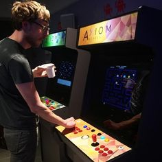 Don't forget to stop by our arcade at Axiom Hotel. Book your reservation today at www.axiomhotel.com Photo Credit: @colajcfh #axiom #axiomhotel #centerofnext #sanfrancisco #sf #bayarea #california #instasf #sfpix #techsavvy #theturncafe #turncafe #techhotel #downtownsf #arcade #videogames #throwback by axiomhotel