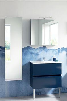 Découvrez ce meuble à 2 niveaux de la gamme Nolita, laqué bleu marine. Profitez de nombreux rangements grâce à la colonne de rangement avec sa grande porte miroir. - nolita de Sanijura  #sanijura #salledebain #bathroom #bathroomfurniture #bathroomgoals #design #deco #decoration #interiorinspiration #interiordesign #decor #home #bienvenuechezmoi #decoaddict #madecoamoi #interior4all #bleu #blue Hygge Home, Bathroom Lighting, Mirror, Projects, Blue, Furniture, Home Decor, Navy Blue Bathrooms, Master Bathroom Vanity