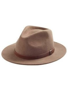 I MUST HAVE a wide brim fedora hat for Fall!