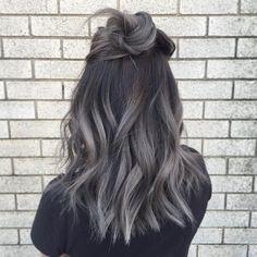 Trendy! Warum wir uns jetzt alle die Haare grau färben wollen...