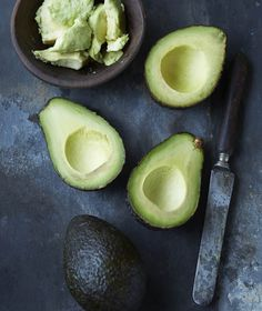 Here are 15 of the best superfoods foods that fight disease and promote good health.