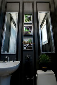 dark colour powder room decorated with pictures and wainscotting Rustic Industrial Decor, Vintage Farmhouse Decor, Rustic Cabin Decor, Asian Home Decor, European Home Decor, Retro Home Decor, Budget Home Decorating, Interior Decorating Styles, Decor Interior Design