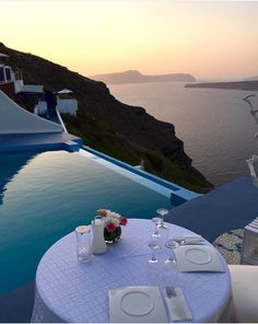 Alali restaurant, Santorini' by Juampi*