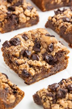 Thick and chewy Brown Butter Espresso Toffee Blondies are ready in less than 30 minutes! So easy. Chocolate Covered Espresso Beans, Chocolate Toffee, Delicious Desserts, Dessert Recipes, Healthy Desserts, Blondie Brownies, Brownie Bar, Brown Butter, Blondies