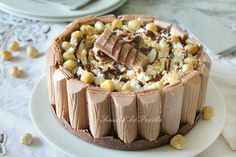 Torta fredda tronky alla nocciola e nutella. Deliziosa e ricca torta fredda. Scenografica e buonissima piacerà ai bambini ma anche ai grandi Bakery Recipes, Sweets Recipes, Gateau Cake, Biscuits, Nutella Recipes, Fun Cooking, Sweet And Spicy, Ice Cream Recipes, Sweet Desserts