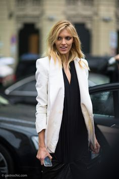 Anja working monochrome. #offduty in Milan. #AnjaRubik