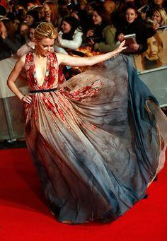 Elie-Saab-Kleid von Elizabeth Banks in London