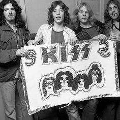 Kiss Concert, Maid Marian, Vintage Kiss, Kiss Art, Kiss Photo, Ace Frehley, Hot Band, Heavy Metal Music, Love Kiss