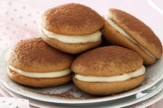 How to make Cappuccino whoopies (recipe) How To Make Cappuccino, Melting Chocolate, White Chocolate, Chocolate Filling, Sandwiches, Whoopie Pies, Thanksgiving Desserts, Dessert Recipes, Cafe Recipes