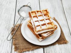 belgian waffles on the table by almaje Fluffy Waffles, Belgian Waffles, Nigella, Breakfast Time, Food Photo, Nom Nom, Food And Drink, Cooking Recipes, Cookies