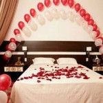 : Romantic Ideas For The Bedroom On Valentine's Day With Marvelous Lots Of Candle Lighting On The Floor And Above Masterbed