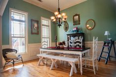 Like the vintage decor and the mixed seating at the table.