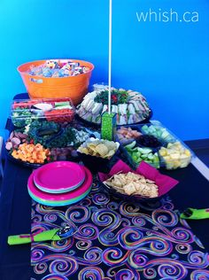 Fruit and veggie trays work great for Pop Up Parties. If you really want to keep it simple, just pick up a couple pizzas on the way to the party.   Whish.ca Veggie Tray, Keep It Simple, Trays, Pop Up, Acai Bowl, Veggies, Parties, Couple, Table Decorations