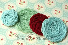 "Homespun with Heart: Faux-chet crocheted flower tutorial. Use in ""crocheted"" flower rug? Crochet Puff Flower, Crochet Flower Tutorial, Crochet Flower Patterns, Crochet Flowers, Crochet Designs, Crochet Ideas, Crochet Crafts, Yarn Crafts, Crochet Projects"