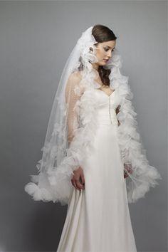 Fingertip veil for the Classic Bride 2