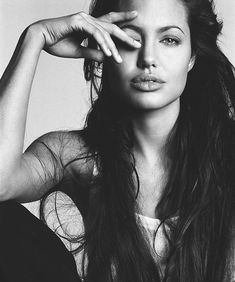 Angelina Jolie - stunning                                                       …