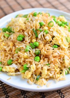 Best Low Syn Egg fried rice - the perfect side dish for all your Chinese Fakeaway dishes. Gluten Free, Dairy Free, Vegetarian, Slimming World and Weight Watchers friendly Slimming World Lunch Ideas, Slimming World Dinners, Slimming World Recipes Syn Free, Slimming World Diet, Slimming Eats, Slimming Word, Easy Healthy Breakfast, Healthy Eating, Slimming World Fakeaway