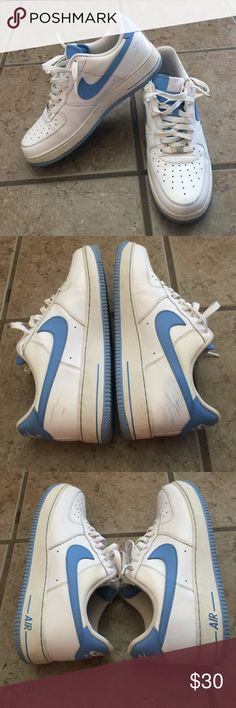 MENS AIR FORCE-1 '82 edition.  Some scuffs but still in great condition.  White polish/leather conditioner would probably work wonders but I didn't have any to use on them.  Smoke free home Nike Shoes Sneakers