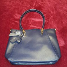 Classy  2 in 1 handbag with Crossbody bag Gorgeous All leather comes with shoulder strap, Gold toned hardware Bags Totes