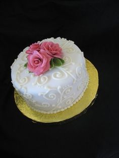 Frosted - Hawaii Cake Bakers - White wedding cake with pink flowers