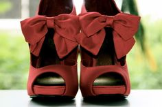 red bow shoes! <3