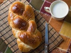 Greek Sweets, Greek Desserts, Greek Recipes, Sweets Recipes, Easter Recipes, Cooking Recipes, Greek Bread, Low Calorie Cake, Greek Cookies