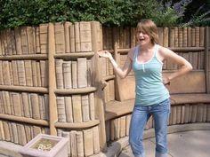 BiblioteKaro: Escultura con Libros