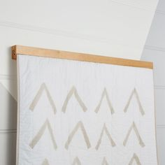 Our Wooden Quilt Hanger was designed to hold and display crib quilts. With its classic wood and metal aesthetic, it'll bring a touch of refinement to your kid's room or nursery decor. Hanging Quilts, Quilted Wall Hangings, Quilt Wall Hangers, Cozy Living Spaces, Quilt Display, Diy Home Decor Easy, Bedroom Murals, Kids Decor, Custom Furniture