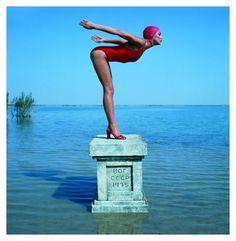 Jerry Hall fotografata da Norman Parkinson, Vogue 1975 a