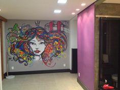 volume em concreto, fucsia e painel em grafite by Marcelo Ment indoor projeto Neo Arq