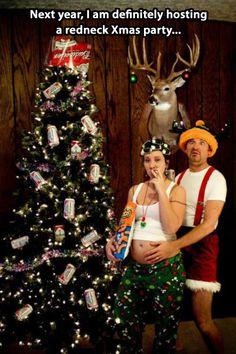 redneck christmas cards, funny christmas pictures - Dump A Day Family Christmas Pictures, Christmas Couple, Holiday Photos, Holiday Fun, Christmas Time, Merry Christmas, Tacky Christmas, Family Pictures, Funny Christmas Photos