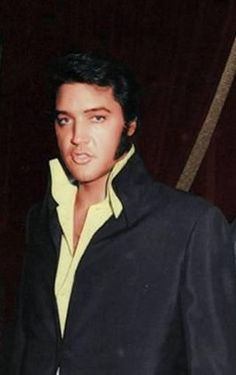 Elvis, great candid! Attending a Tom Jones show at Caesar's Palace in mid-October 1970.