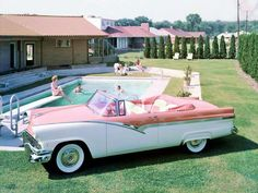 Sunliner and friends… 1956 Ford press release photo