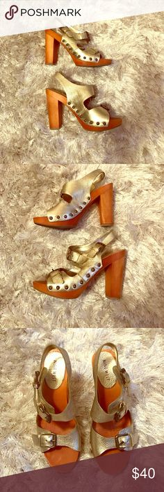 """NINE WEST Gold Heeled Sandals Nine West gold leather heeled sandals. Pre-loved and in great condition! Approx. 4.5"""" heel with 1.25"""" platform. Free box for safe storage. Reasonable Offers Welcome 🙃 Nine West Shoes Sandals"""