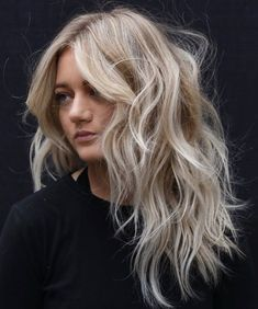 60 Lovely Long Shag Haircuts for Effortless Stylish Looks - - Messy Layered Blonde Cut for Long Hair Messy Blonde Hair, Brown Blonde Hair, Long Messy Hair, Blonde Honey, Messy Ponytail, Black Hair, Long Face Hairstyles, Messy Hairstyles, Updo Hairstyle