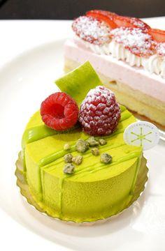 鮮やかな緑がまぶしい! アステリスクの春色ケーキ - スイーツ部:@Leslie McNeill