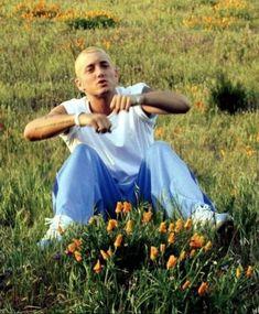 """I'm going to a pretty place now, where the flowers grow"" ~ EMINEM Eminem Funny, Eminem Rap, Eminem Memes, Eminem Music, The Real Slim Shady, Rap God, Eminem Wallpapers, Kunst Tattoos, Eminem Photos"