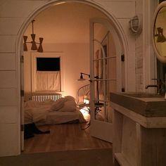 Home Interior Design — Beautiful! Home Interior Design — Beautiful! Dream Rooms, Dream Bedroom, City Bedroom, Dream Apartment, Cozy Apartment, European Apartment, New York City Apartment, Aesthetic Rooms, My New Room