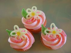 #wiltoncontest  mini cupcakes with mini flowers made from wilton candy melts