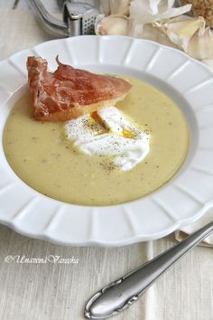 Cheeseburger Chowder, Ham, Panna Cotta, Food And Drink, Treats, Ethnic Recipes, Cooking Ideas, Soups, Fitness