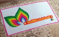Discover pretty rangoli designs for Krishna Janmashtami and peacock feather (Mor Pankh) rangoli designs. Make these awesome rangoli designs for Janmashtami. Easy Rangoli Designs Diwali, Rangoli Simple, Rangoli Designs Latest, Rangoli Designs Flower, Free Hand Rangoli Design, Rangoli Border Designs, Colorful Rangoli Designs, Rangoli Patterns, Rangoli Ideas