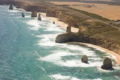 Great Ocean Road tour - tips and hidden gems for a self drive tour including 12 Apostles, special beaches and spectacular scenery Australia Places To Visit, Australia Tourist Attractions, Visit Melbourne, Brisbane, 100 Things To Do, Australia Travel, Melbourne Australia, Australia 2018, Victoria Australia