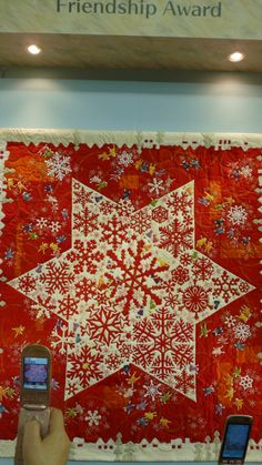 2014 International Tokyo Quilt Show Star Quilts, Scrappy Quilts, Quilt Blocks, Quilting Patterns, Quilting Projects, Sewing Projects, Aplique Quilts, Snowflake Quilt, Red And White Quilts