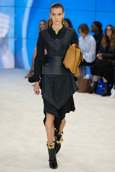 Loewe Spring/Summer 2017 Ready-To-Wear Collection | British Vogue