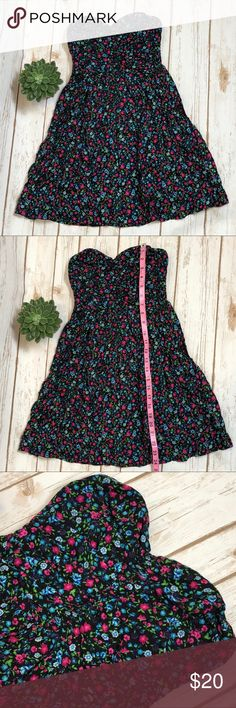 LOVETREE STRAPLESS SWEETHEART DRESS! Lovetree strapless sweetheart dress! Size S. Pink and blue flowers on black. Never worn.   Smoke free, clean home. Feel free to reach out with any questions! Lovetree Dresses Strapless