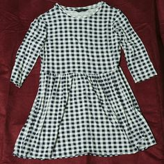 Dorothy Perkins Navy Gingham Smock Fit & Flare Three-Quarter Length Sleeves. Never worn. Runs large for a size 10. Dorothy Perkins Dresses