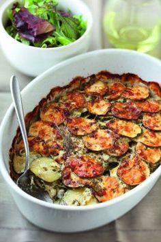courgette, oignon, gruyère râpé, oeuf, crème fraîche, beurre, Sel, poivre