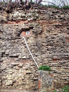 """""""@LeighTurnerFCO: Bizans şehir duvarları içinde sonradan yapılmış bir oda  #Istanbul """" #istanlook"""