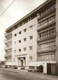 Bloco da Carvalhosa, por Arménio Losa e Cassiano Barbosa